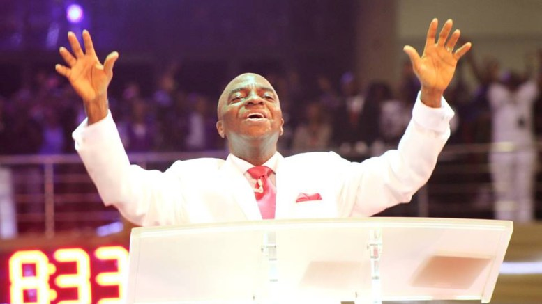 David-Oyedepo-blessed-the-congregation