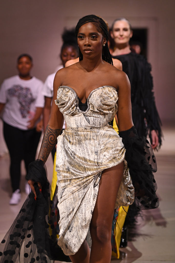 Naomi Campbell Fashion for relief 12