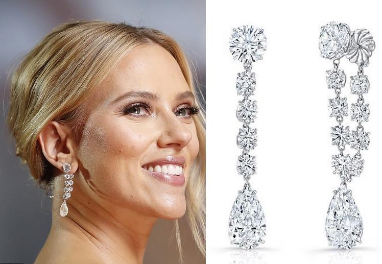 Actress Scarlett Johansson $2.5 million worth of diamond jewelry to the Oscars