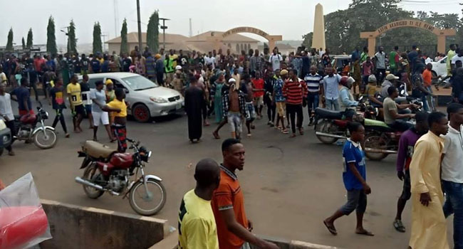 One dead, many injured as police fire gunshots at youths protesting killing of footballer in Sagamu