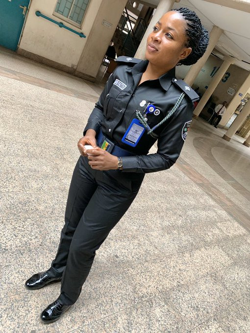 Viral photos of beautiful Nigerian police officer