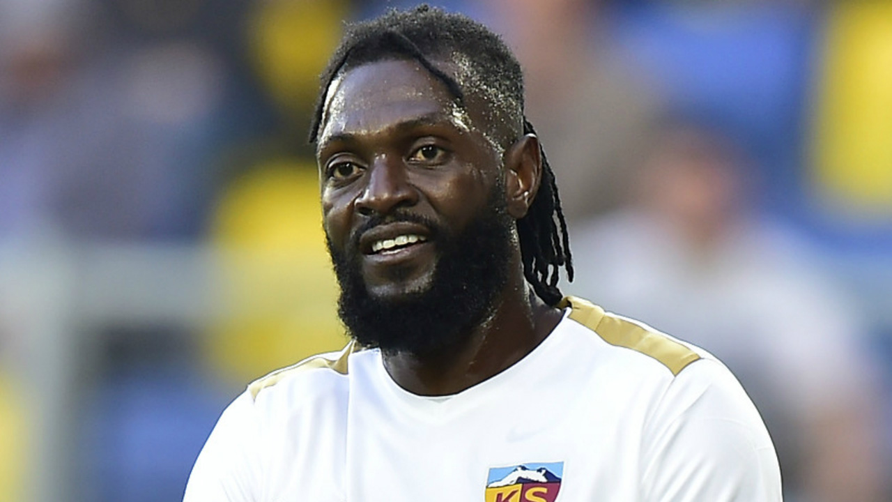 Emmanuel Adebayor trapped in Benin Republic after fleeing Paraguay