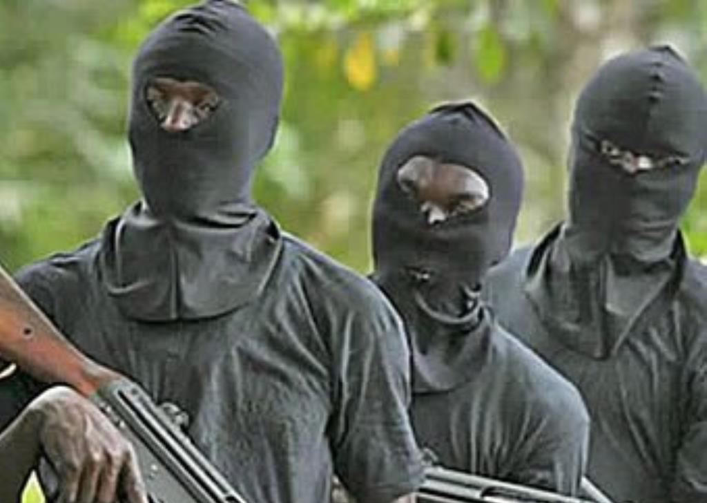 thugs kidnap Nigeria topnaija