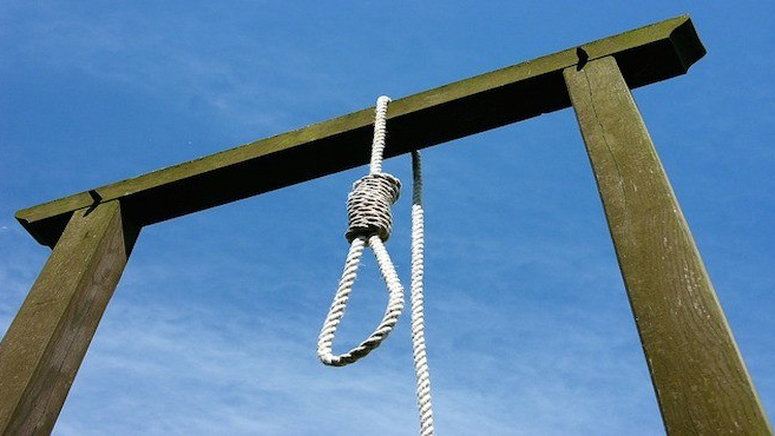 Tears as 13-year-old girl allegedly commits suicide in Calabar-TopNaija.ng