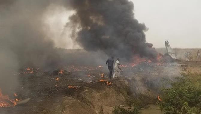 Military aircraft crashes Abuja 1