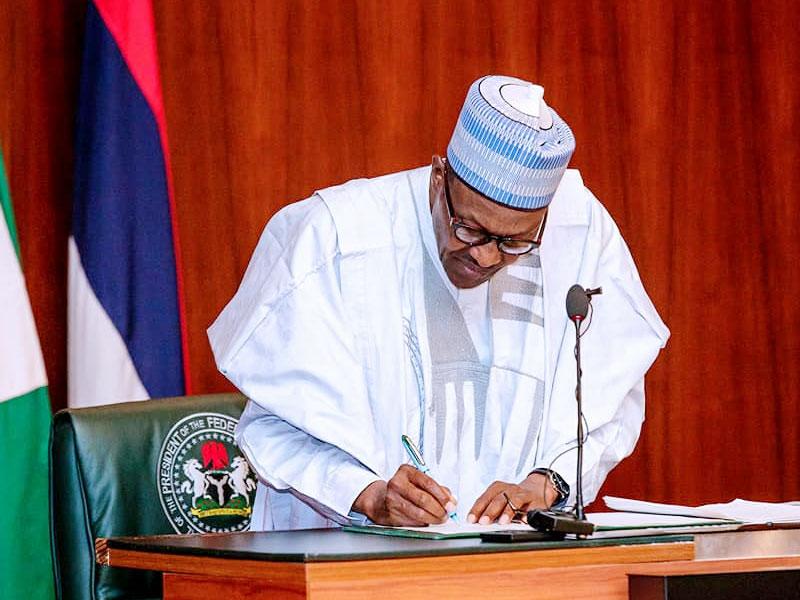 President-Muhammadu-Buhari-signs