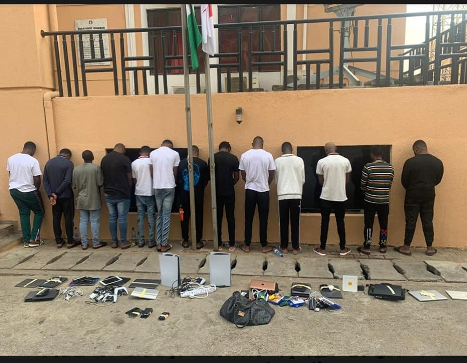 EFCC arrest 13 suspected internet fraudsters in Abuja-TopNaija.ng