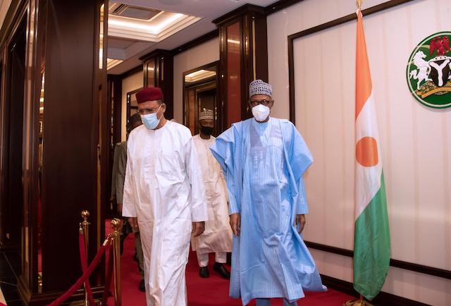 Buhari breaks fast with Niger President, Bazoum [PHOTOS]