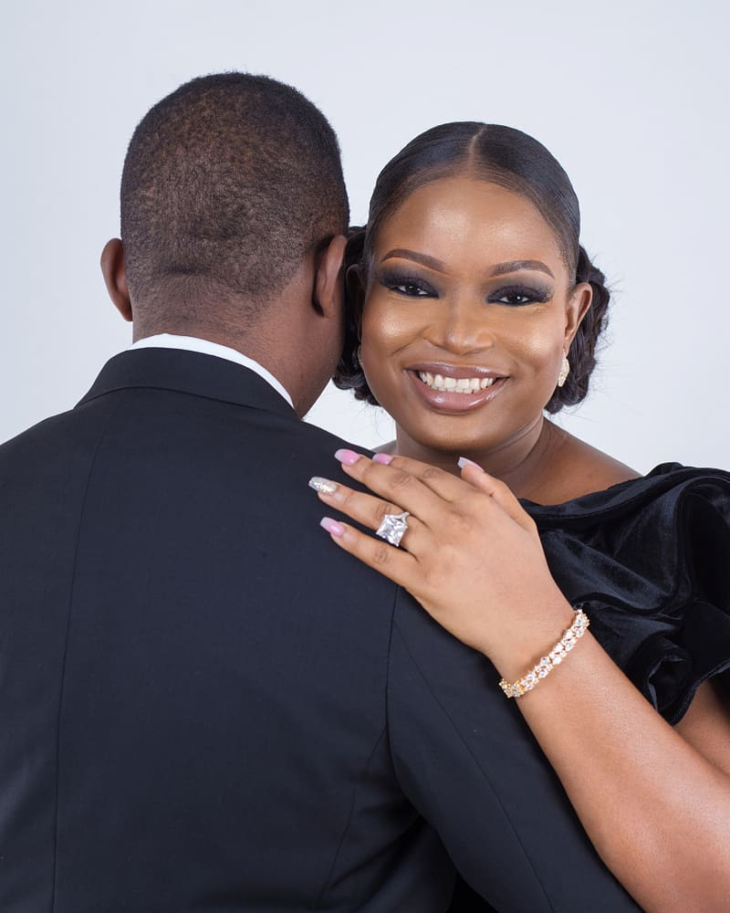 Tricia Ikponmwonba weds Olufemi-Olumide Triciabiz weds Olufemi-Olumide topnaija.ng