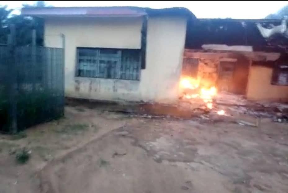 INEC office in Akwa Ibom set ablaze by unknown hoodlums (Photos/Video)-TopNaija.ng