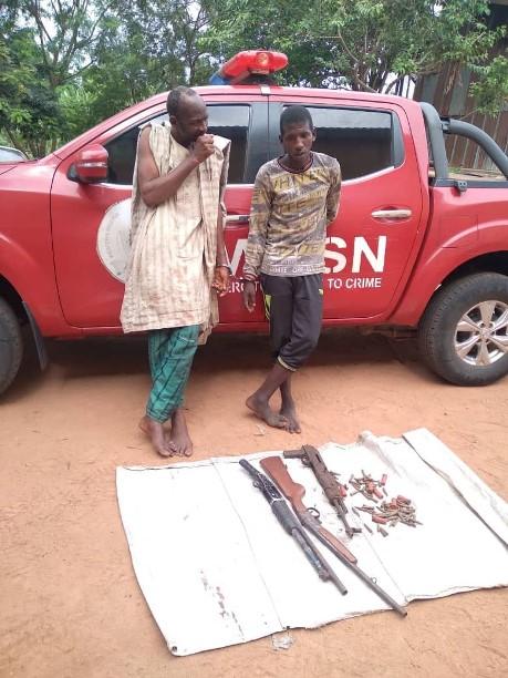 Oyo Amotekun arrests two armed bandits in Lanlate