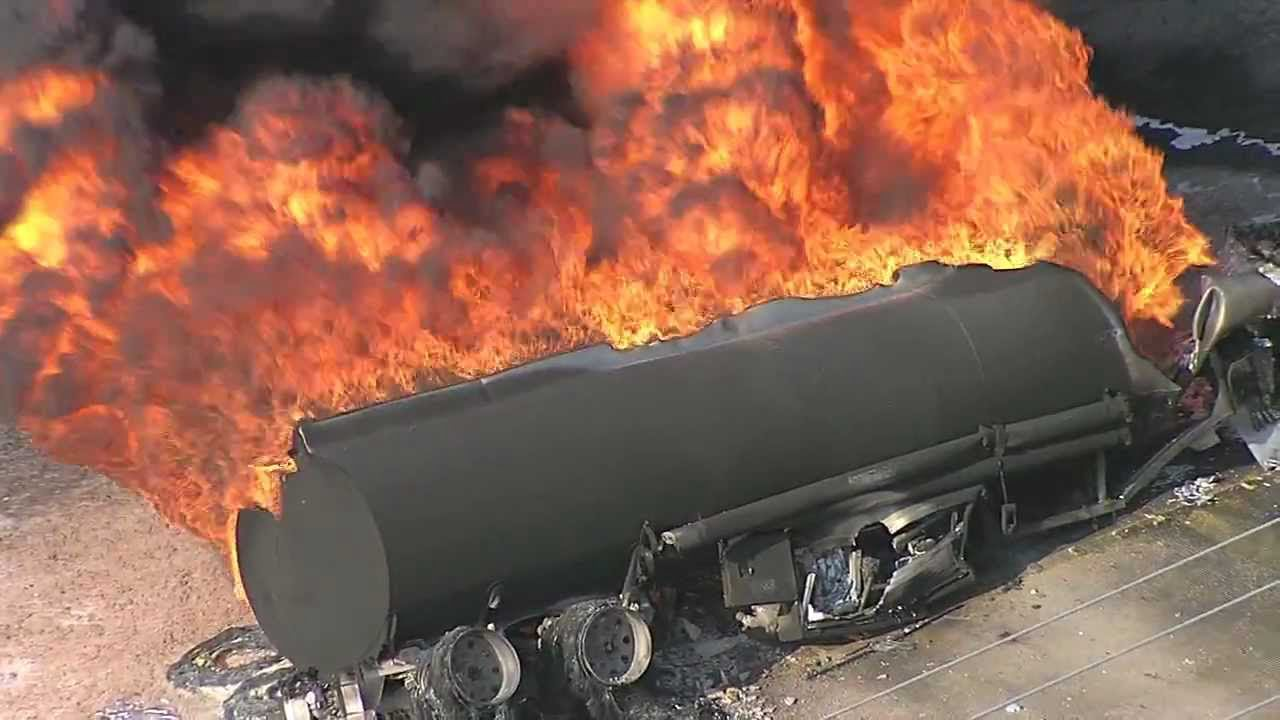 At least 13 injured, 25 cars destroyed as LPG tanker explodes in Lagos-TopNaija.ng