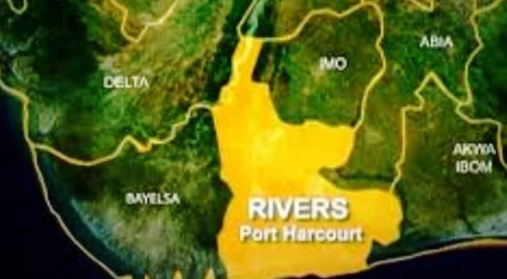 Angry youths protest bad road, prevent INEC registration in Rivers