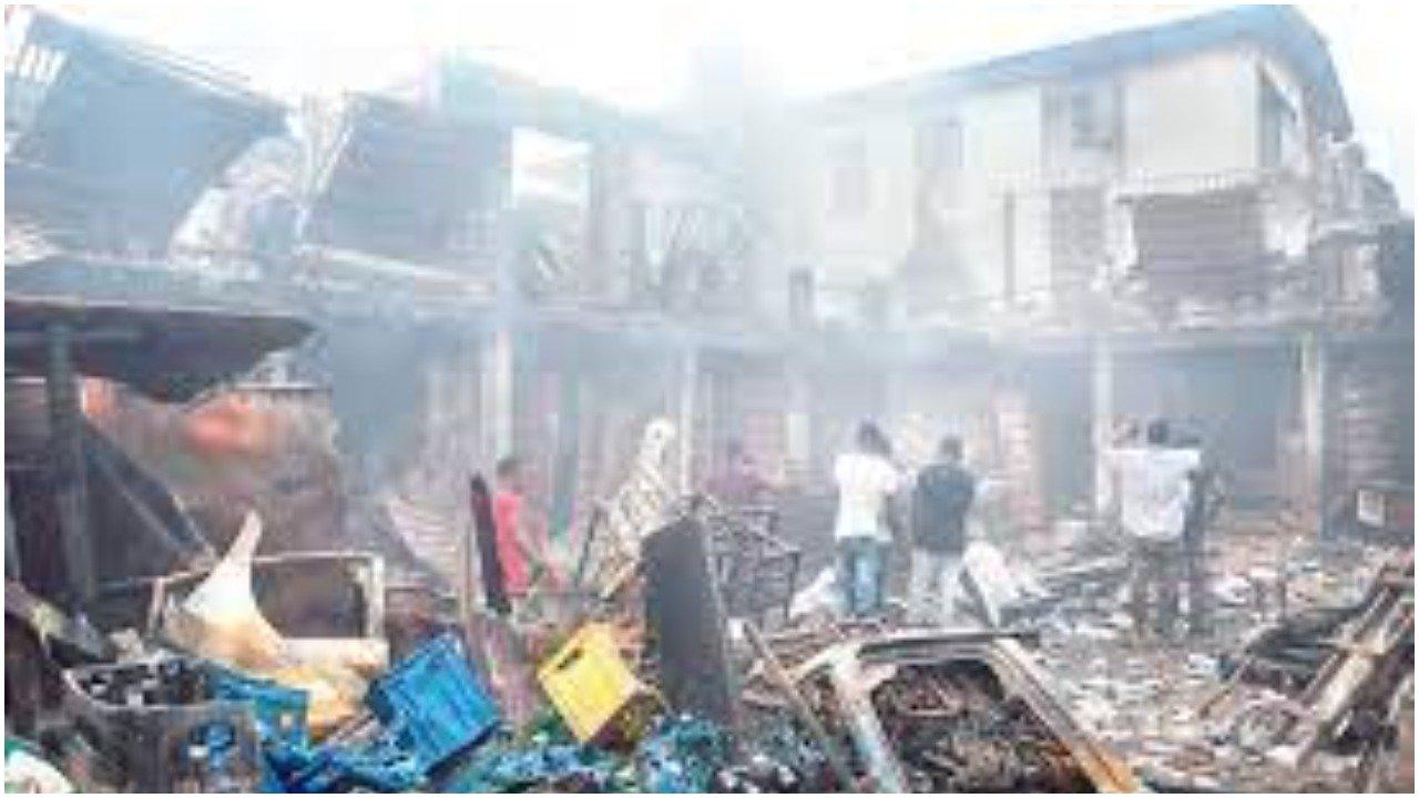 Lagos: Fire destroys goods worth millions of naira in Ladipo market-TopNaija.ng